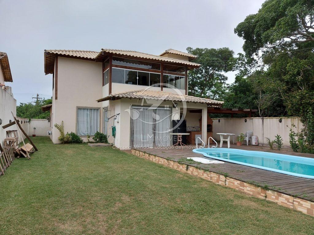 Casa com piscina- Condomínio Caravela Nina