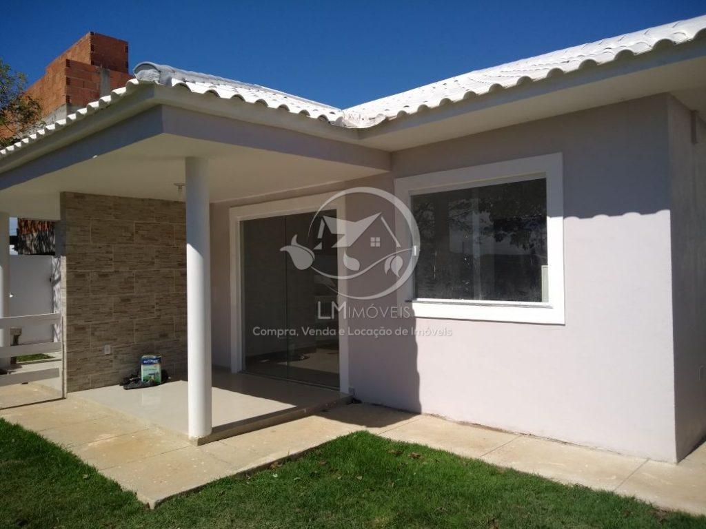 Casa linear, quintal independente- Financiável