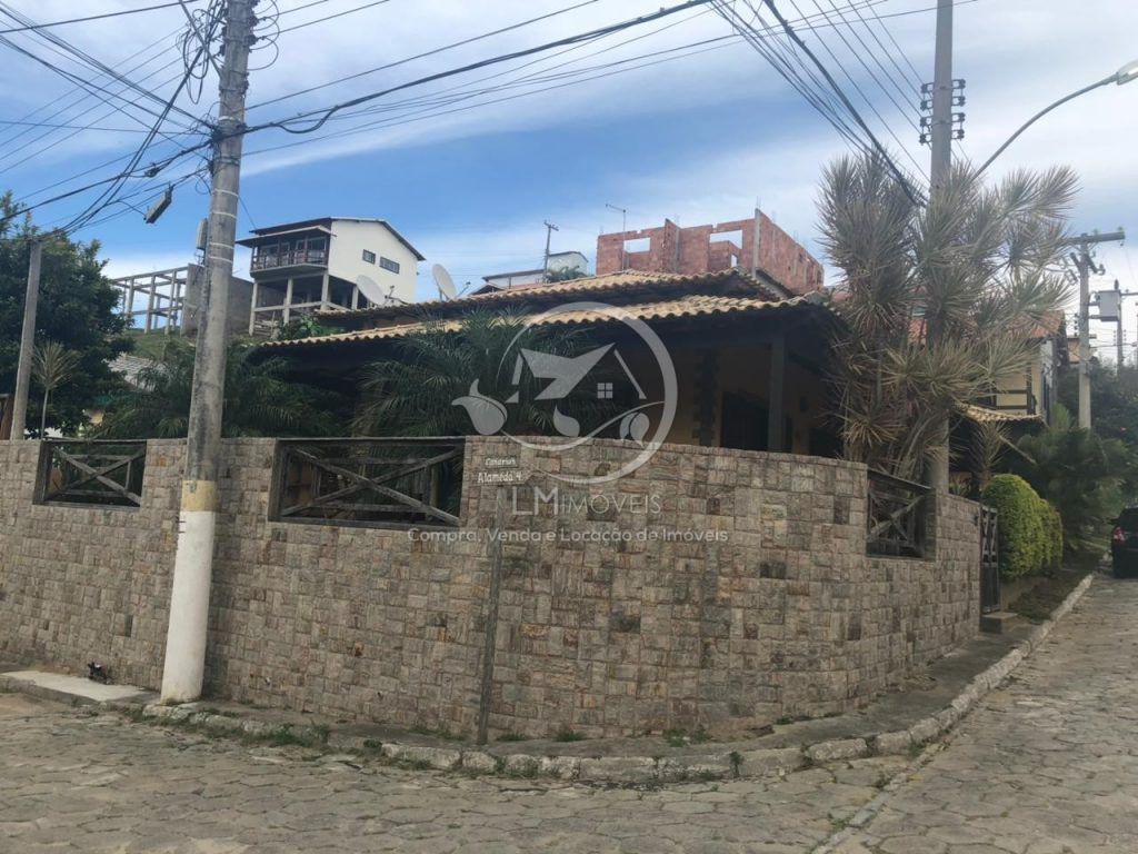 Casa Linear com churrasqueira- Condomínio dos Pássaros