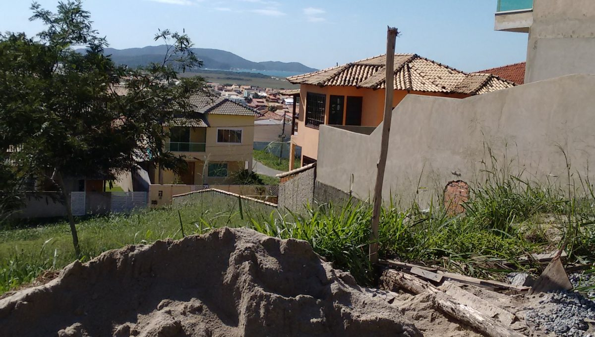 LOTE 105 (1)